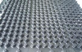 置顶M型PVC防水隔根板施工工艺