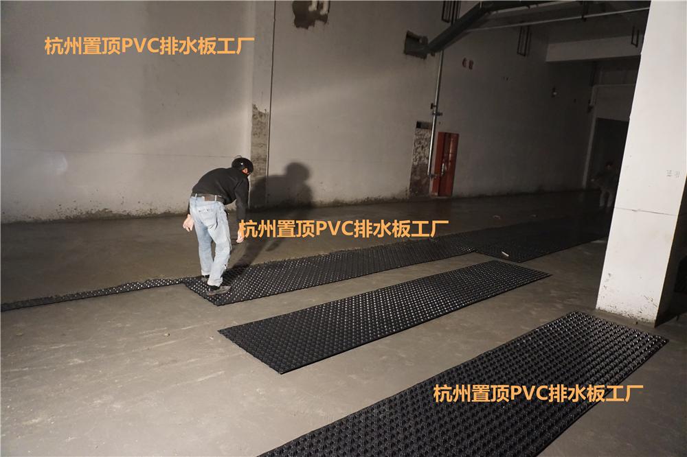 排水板凹凸点施工方向解析
