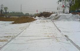 复合土工膜在渠道防渗工程中的应用与施工